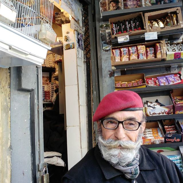 Abu Faruk is a landmark on Rome st. Best coffee, exciting tales, birds...