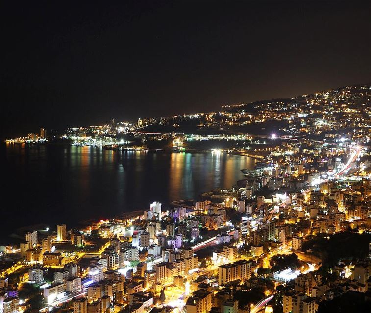 Have a blessed night 🌃.... nightshot lighting lights lightpainting... (Jounieh, Liban)