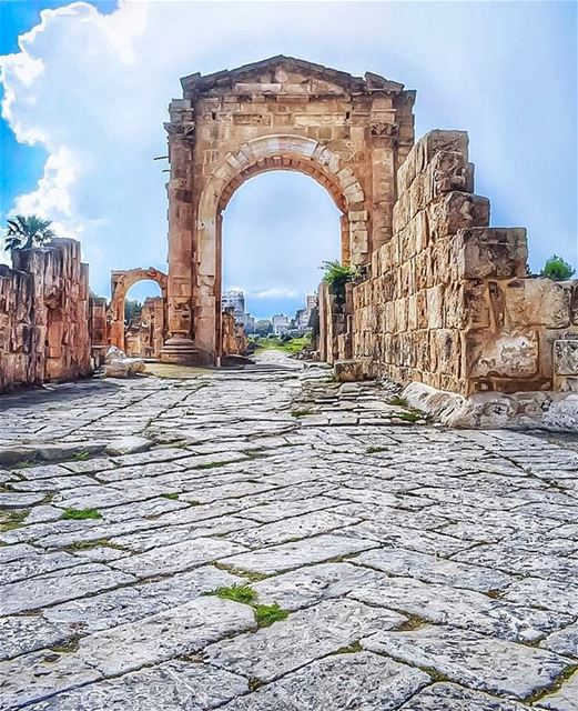 I do not seek. I find - Pablo Picasso... (Roman ruins in Tyre)