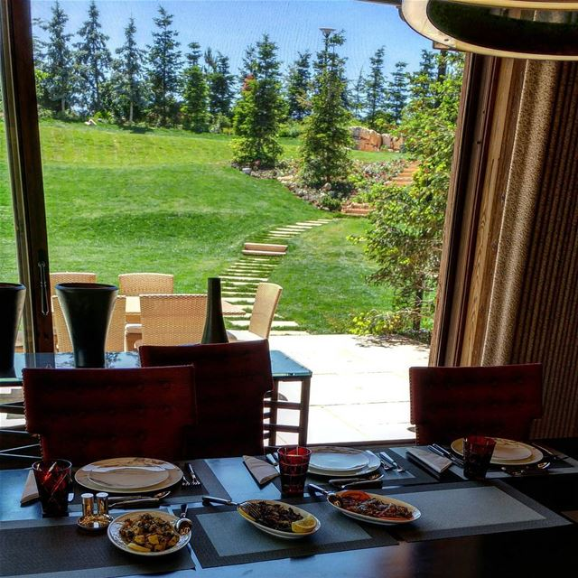 Lunch at a magnificent estate facing the most popular ski slopes in... (Faraya, Mont-Liban, Lebanon)