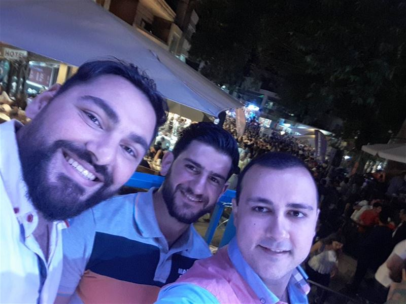 About yesterday night with the gang! ehdenbeerfestival  ehden  selfie ... (Ehden Beer Festival)