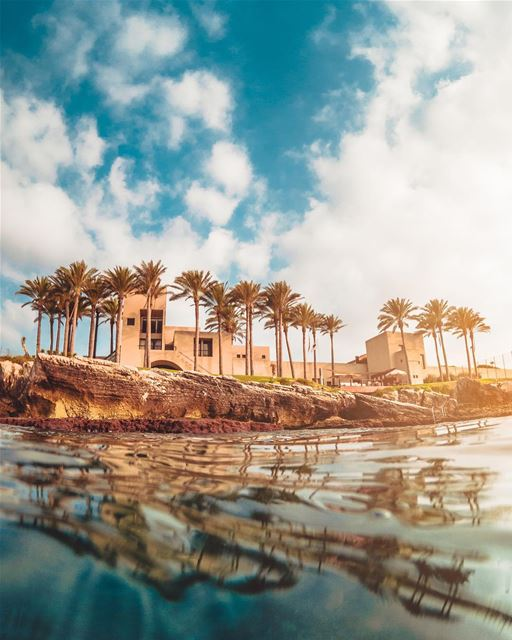 Beach house rules: relax, unwind, enjoy... 🌅🌴🌴Photo taken with @gopro... (Batroûn)