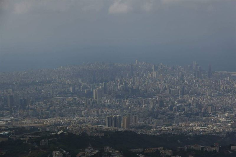 This is  beirut .... This is how it is seen from  beitmery ..  lebanese ...
