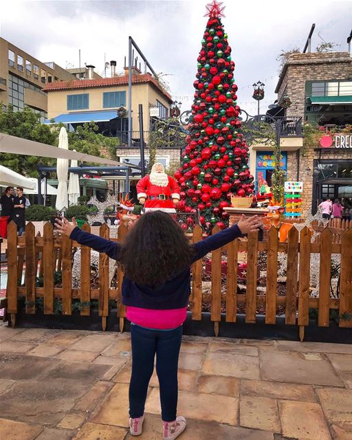 يا هلا ب  ChristmasTime 💚________________________________________... (The Village Dbayeh)