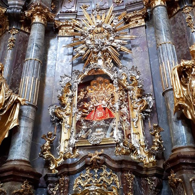 enfantjesusdeprague  infantjesus  baroque  architecture praha  church ... (Church of Our Lady Victorious)
