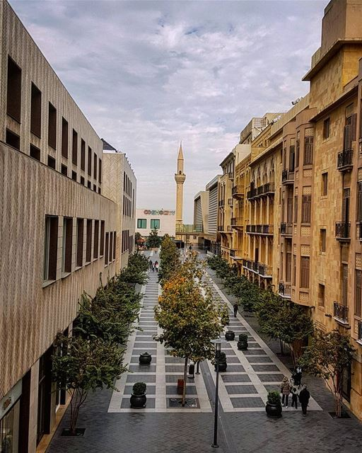 Winter is whispering.. Beirut disregards.....🌪🌬🌫 goodmorning beirut... (Beirut Souks)