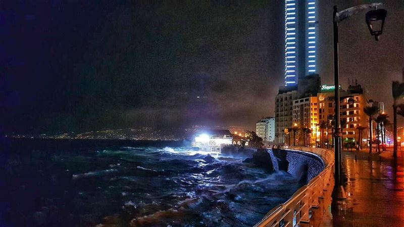 Beirut under the storm 🌊🌊🌪💨  livelovebeirut  lebanonspotlights... (Beirut, Lebanon)