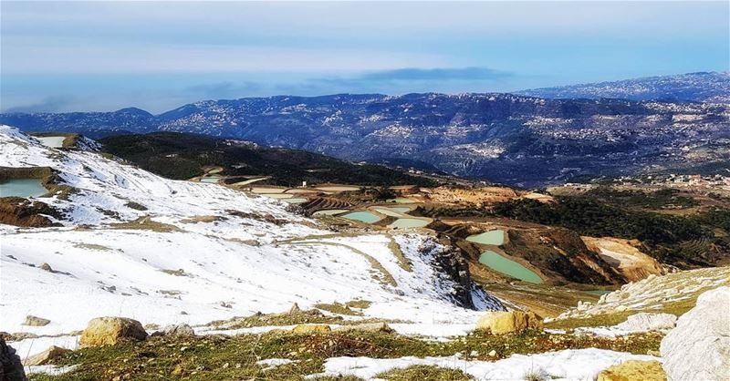 winter 🏂?? Or it's  summerseason ☀️ sundayhike  snow  snowcapture ... (Falougha, Mont-Liban, Lebanon)