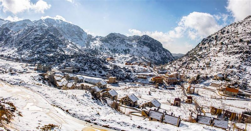 'snow is a blessing to make this dirty world look clean...''''... (El Laqloûq, Mont-Liban, Lebanon)