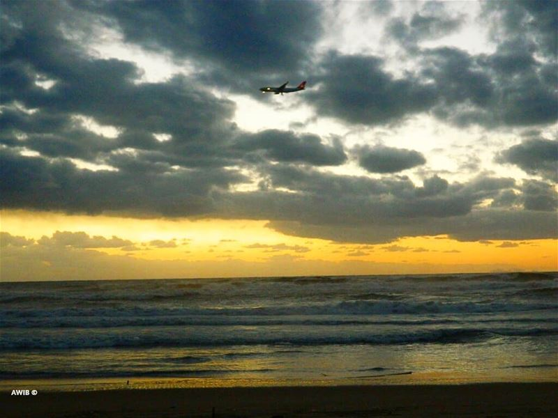 airplane  flight  tourism  outdoor  landscape  travel  streetphotography ... (Beirut, Lebanon)