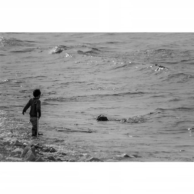 bnw  child  sea  rock  blackandwhite  waves  beach  shore  lebanon  boy ...