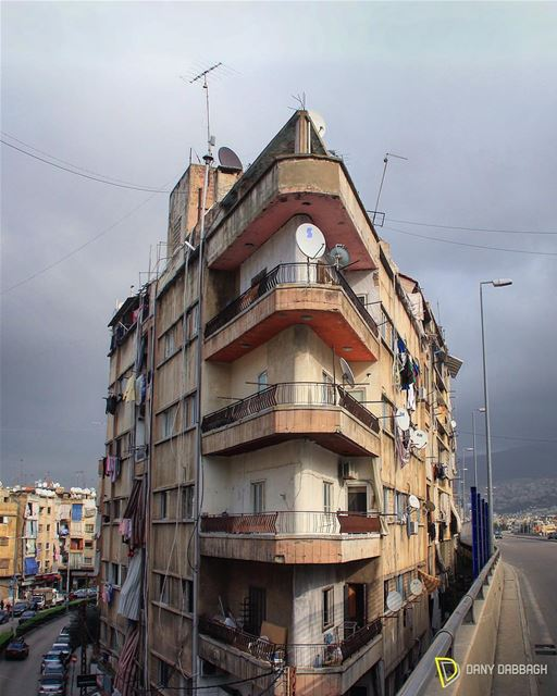 I also shake too, sometimes, for that I can't keep on waiting. building ... (Beirut, Lebanon)