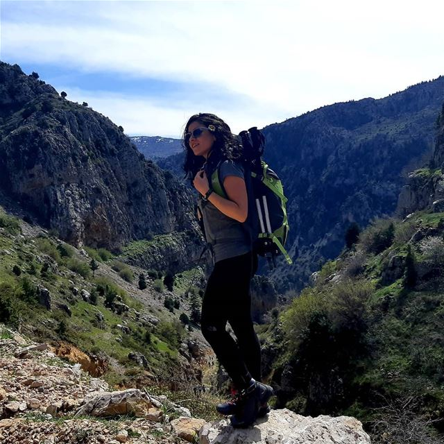 framedbynature mountaingirls mountainbabes womenwhohike womenwhoexplore...