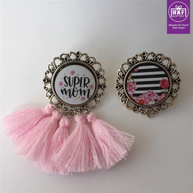 Super MOM earrings 🌸 raf_giftry....... earrings  gift  mom ... (Raf Giftry)