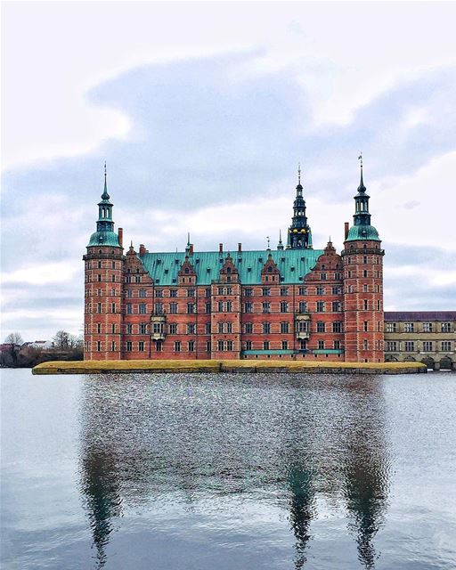 I have a thing for Castles—————————— paris  architecture  downtown ... (Frederiksborg Castle)