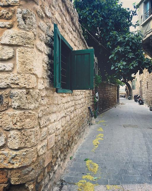 tyre  lebanon  livelovejnoub  like4like  likeforlike  followforfollow ... (Tyre, Lebanon)