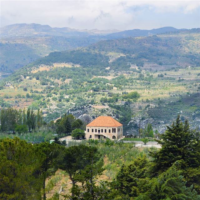 🇱🇧🇱🇧🇱🇧❤❤ view  villa  house  alone  mountains  peaceful  green... (Lebanon)
