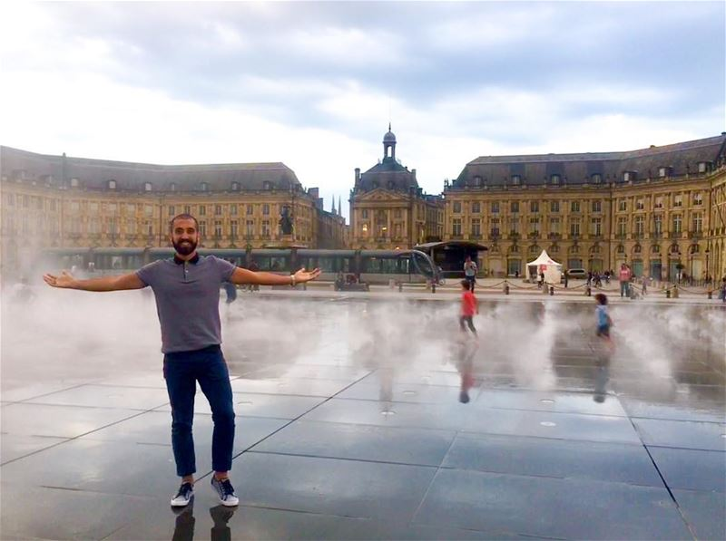 Never grow up ______________________________________ LibanaisÀBordeaux ... (Miroir d'eau)