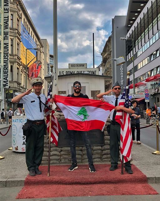 My patriotic heart beats red, white and green 🇱🇧 architectonthemove ... (Checkpoint Charlie)