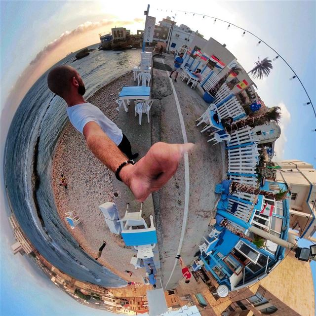 We all have two sides, so does the world.  outfluencer  gopro ... (Batroûn)