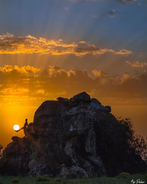 Dream big, Set goal, Take action 🌅... ... sunset sunsetporn... (Jezzîne, Al Janub, Lebanon)