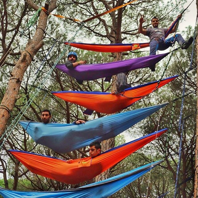 Always play it safe and Use a Harness ✌🏻.... hammock  hammocklife ... (Lebanon)