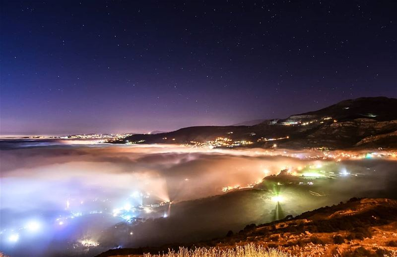 A starry night above the clouds 🌌.  sky  night  stars  milkyway  fog ... (Sawfar, Mont-Liban, Lebanon)