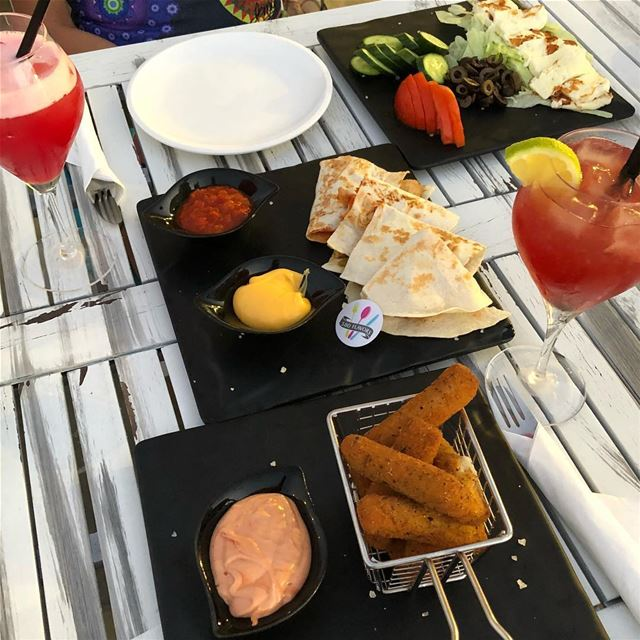 Chicken quesadillas, mozzarella sticks and halloumi salads!! Perfect trip � (Anfeh Al-Koura أنفه الكورة)