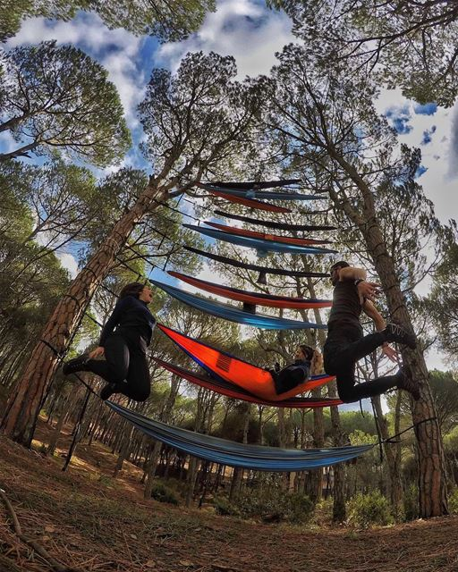 ⚠️ Competition Time ⚠️ I've teamed u with @oakenfest & @hikemen to give... (Hammock Tower)