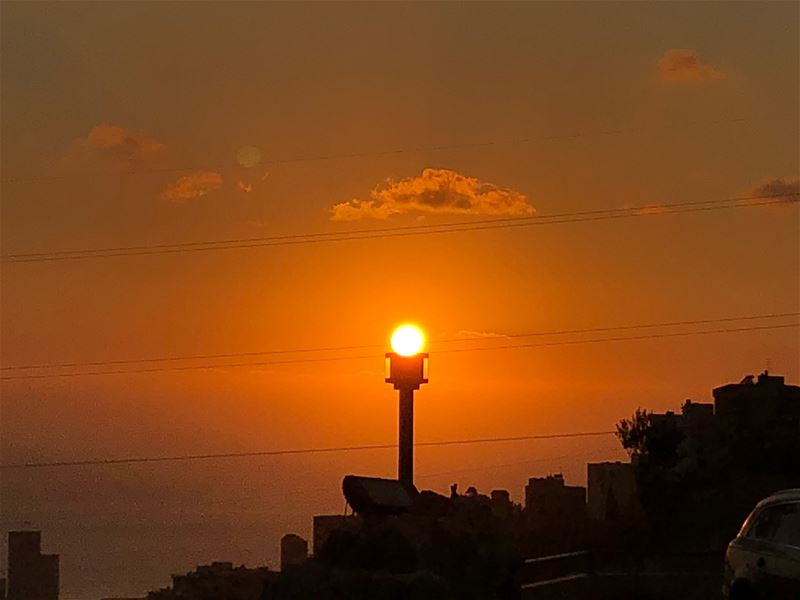 لو بتشوف عيون الشمس...  sunset  lebanon  sun ... (Mount Lebanon Governorate)