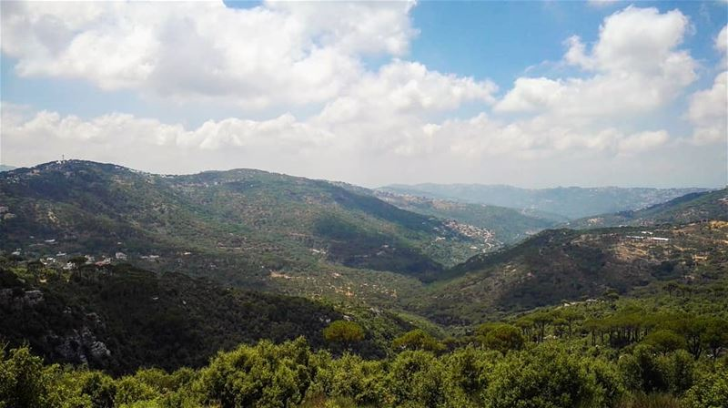 Hello again Lebanon 🇱🇧😍 relax  holidays  love  lebanon  mountains ... (Qarnayel)