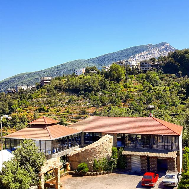 🇱🇧❤❤ view  mountains  mountainsoflebanon  discoverplaces ... (Lebanon)