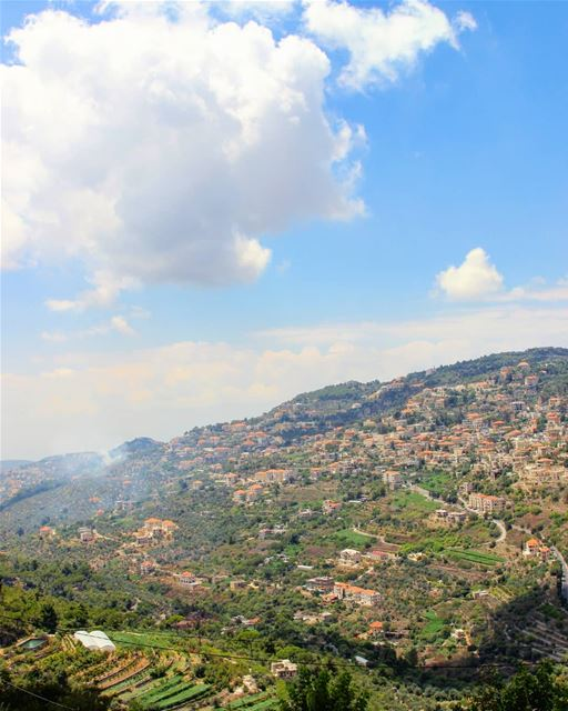 Good morning with this relaxing view that I've thoroughly enjoyed during... (Deïr El Qamar, Mont-Liban, Lebanon)