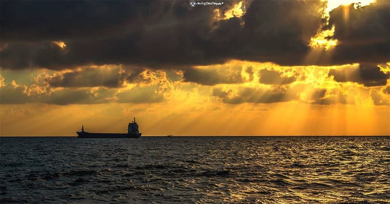 How the Sun sets in  batroun.... landscapelover landscape_lover ... (Batroûn)
