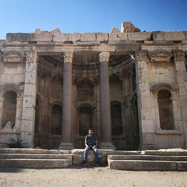 It was amazing to discover this beautiful roman temple in baalbeck city... (Baalbek , Roman Temple , Lebanon)