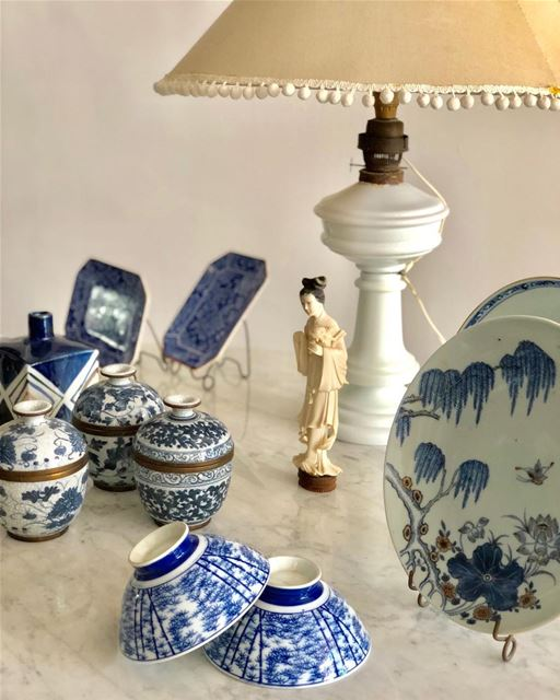 Oriental collectibles in an elegant Lebanese home.  orient  collectible ...
