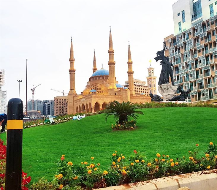 Goodmorning 🇱🇧🇱🇧❤❤ landscape  mosque  church  unity  statue ... (Beirut, Lebanon)