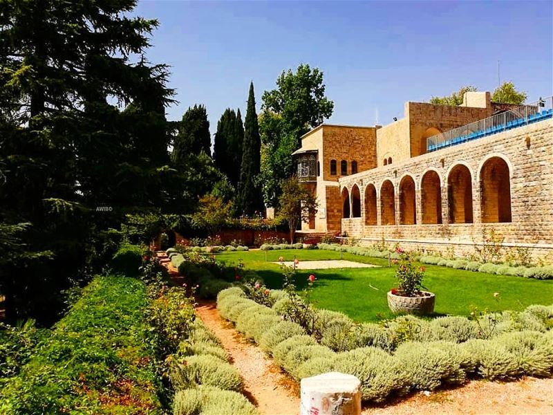Beiteddine Palace (Arabic: قصر بيت الدين‎) is a 19th-century palace in... (Beit Ed-Deen, Mont-Liban, Lebanon)