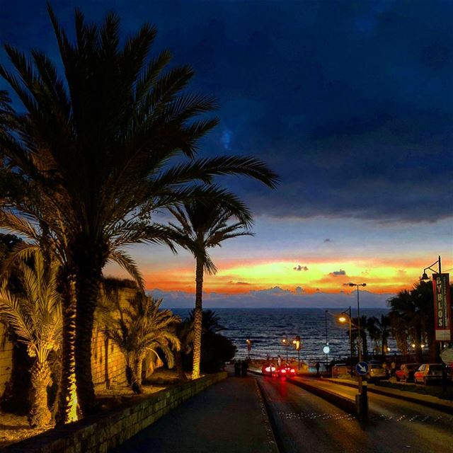 ... the road to 7000 years of sunsets... ... byblos  jbeil  seaside ... (Byblos - Jbeil)