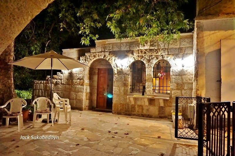 Ehden  ehden  northlebanon  courtyard  nightphotography  liveloveehden ...