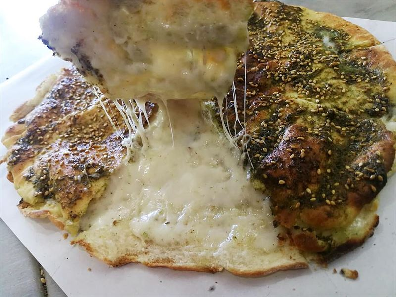 A crispy Kaaki filled with cheese and topped with Zaatar...📍rashetsomsom� (Rashet somsom - رشة سمسم)