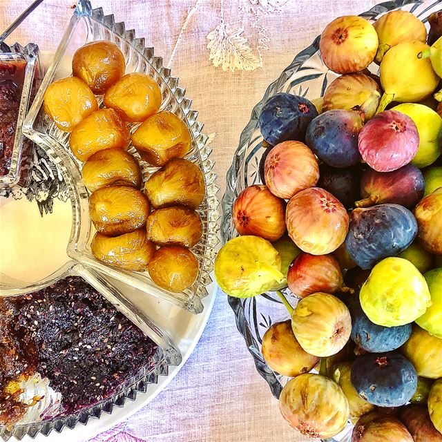 Figs! Do you prefer to  Jam it or eat them  Fresh ??? 😋........ (Douma, Liban-Nord, Lebanon)
