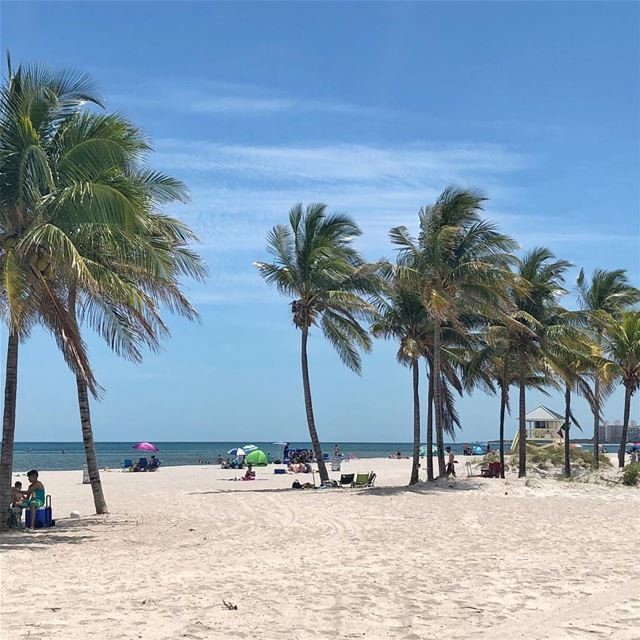 Good morning Miami! ☀️  tgif  friday  fridaze  miami  miamibeach ... (Miami Beach, Florida)