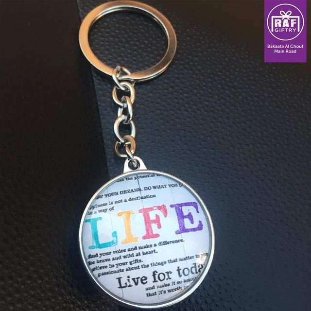 Live it your way 🗝 ✨ raf_giftry....... life  keychain  live ... (Raf Giftry)