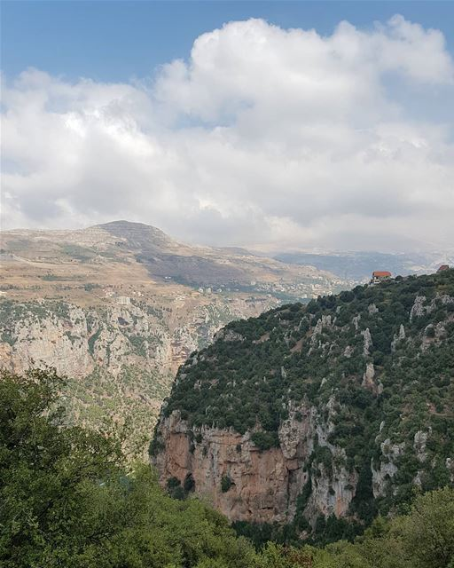Sundays on my mind 🧗‍♂️.. Hasroun  NorthLebanon  Mountains  Valley ... (Hasroun)
