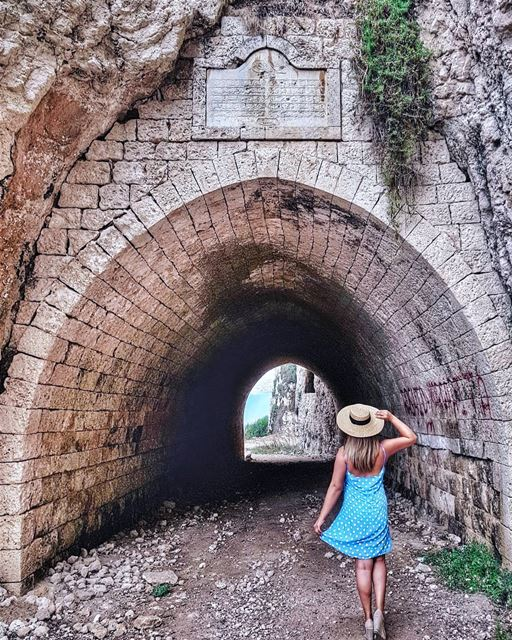 Exploring ancient train tunnels in the North of Lebanon, with a gorgeous... (Chekka Aatîqa, Liban-Nord, Lebanon)