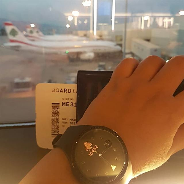 Early  morning  flight  MEA  mylebanon  10452  mydna  proudlylebanese ... (Beirut–Rafic Hariri International Airport)