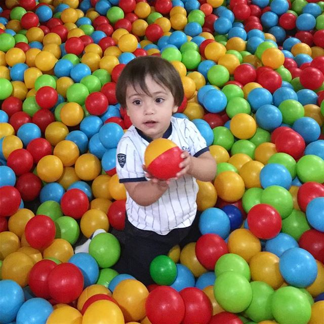 boy  baby  colorful  ball  playtime  familytime  nice  beautiful ...