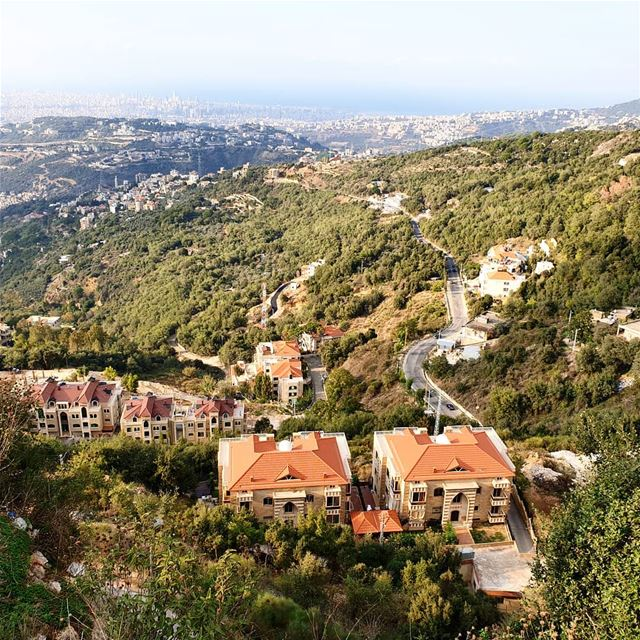🇱🇧🇱🇧❤❤ view  houses road  green sunday  roadtrip  collectingmoments ... (Lebanon)