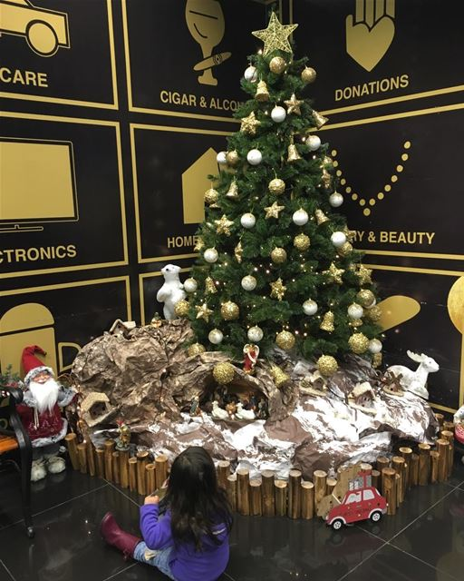 Christmas  decoration  tree  santa  love  daughter  baby  girl ... (Spinneys - Lebanon)